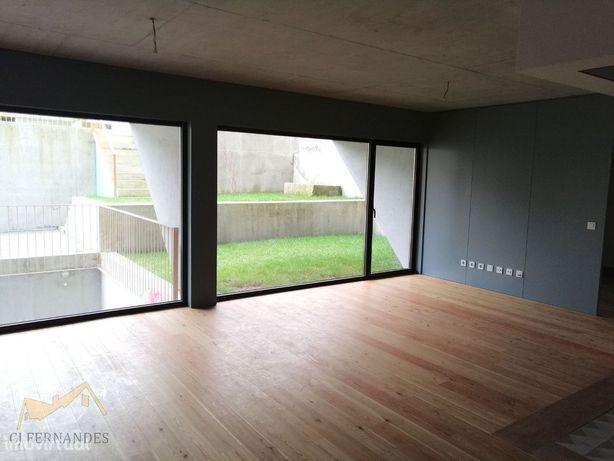 Apartamento T2 com Jardim Privativo - Bonfim