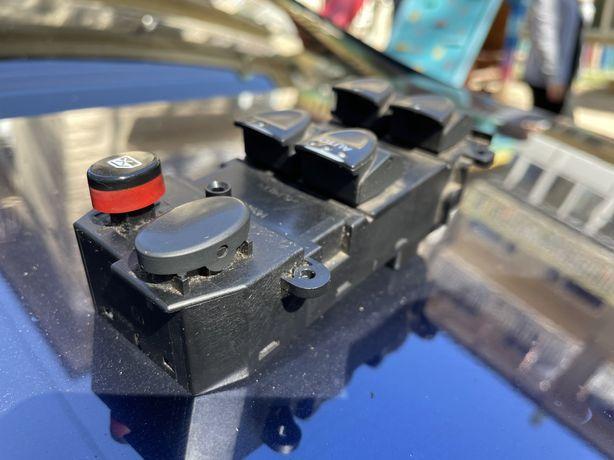 Блок кнопок управления стеклоподъемника Honda CIVIC