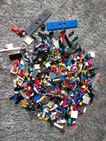 LEGO ORGINAL - 5 gotowych zestawów, 26 figurek i masa klocków