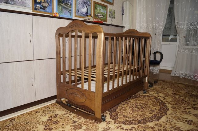 Детская кроватка. Без торга.Бесплатная доставка по городу.