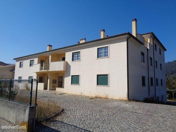 Apartamento T2 com suite, aparcamento e varanda em Mirand...