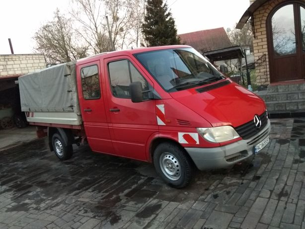 Автомобіль Mersedes Sprinter бортовий