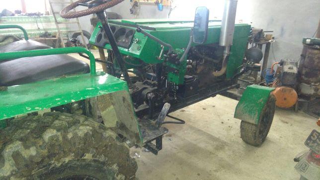 Продам хороший трактор