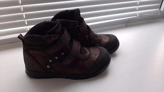 Продаю ботинки для девочки