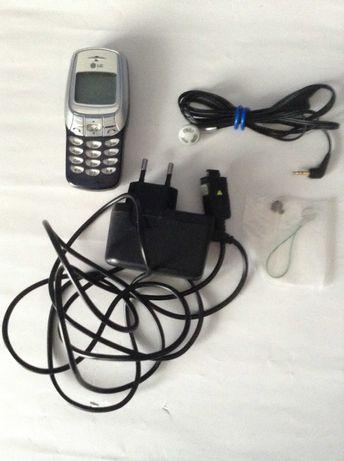 Мобильный телефон LG W3000 на запчасти + зарядное устройство