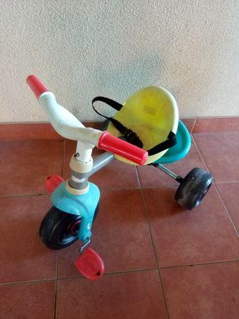 Vendo triciclo usado