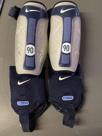 Caneleira Nike 90 tamanho L