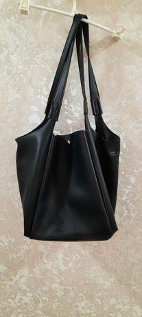 Кожаная чёрная сумка