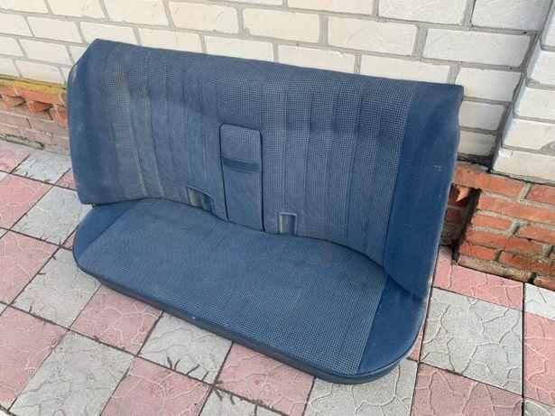 Задний диван с подлокотником bmw e28