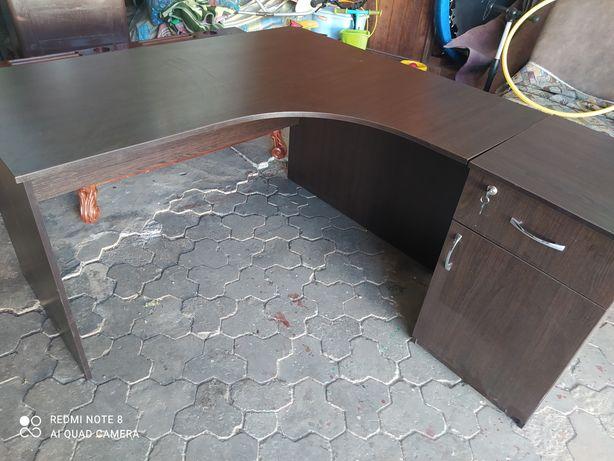 Стол офісний колір ванге в найоіності 4 шт