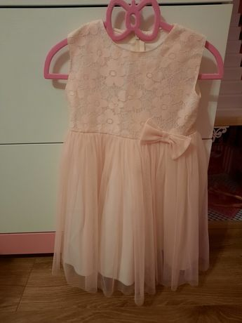Piekna sukienka tiul r 104