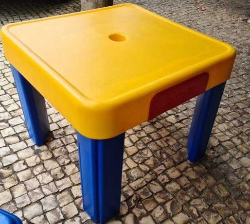 Mesas e cadeiras de criança interior ou jardim Chicco