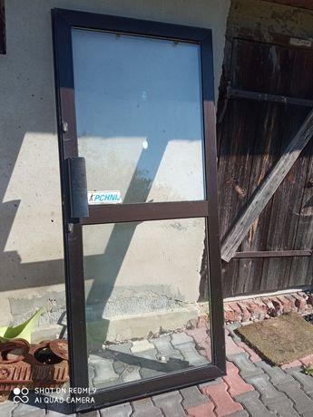 Drzwi zewnętrzne sklepowe 90x210