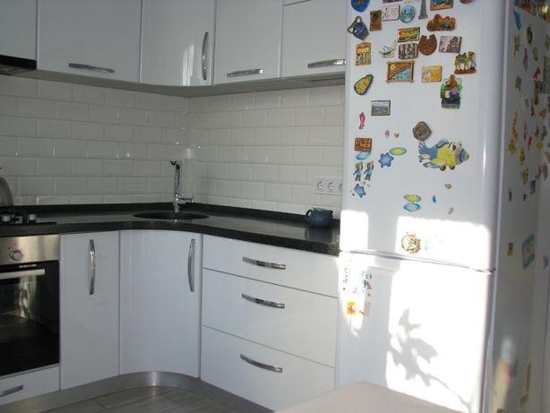 3к квартира82м2+техэтаж в ЖК Ньютона с авторским ремонтом зайти и жить