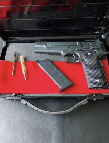 Мощный страйкбольный пистолет Кольт 1911
