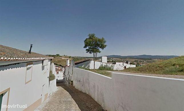 House/Villa/Residential em Évora, Estremoz REF:1848