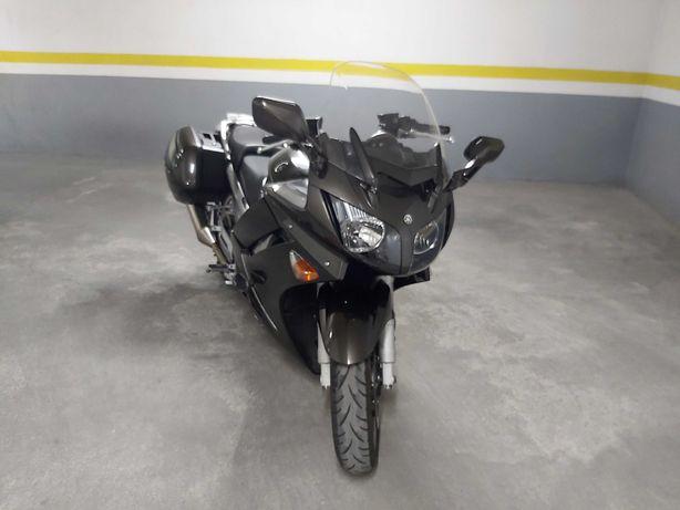 Yamaha FJR1300 de 2010 com 75000km