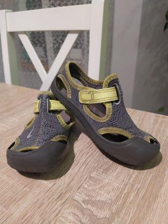 Sandałki Nike 23