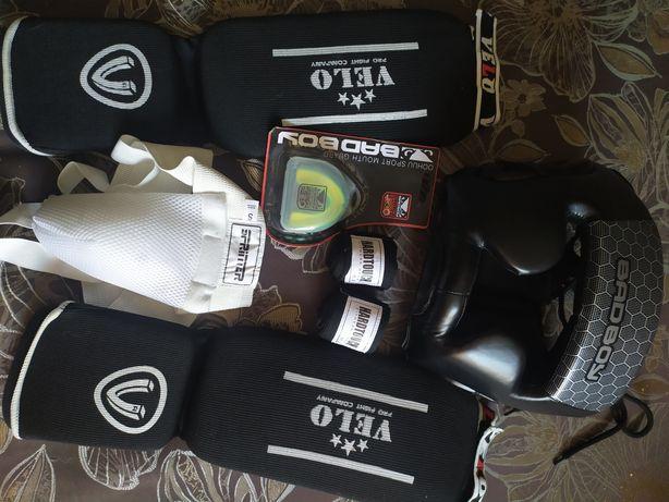 Шлем,перчатки,набором(бокс)