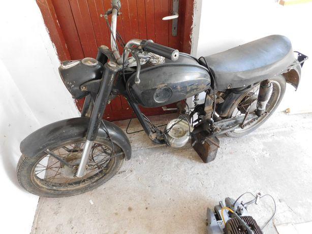 Zamienie motocykl