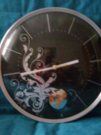 zegar ścienny z wahadłem