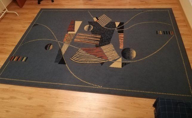 Sprzedam dywan, stan bardzo dobry