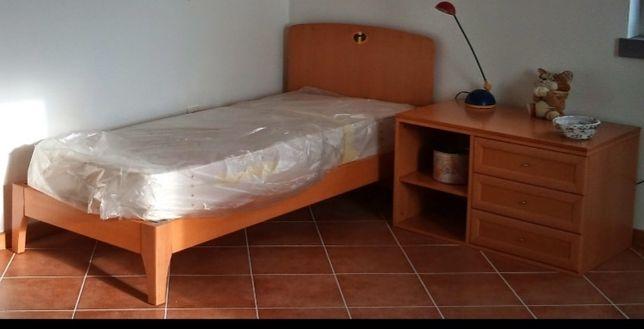 Cama de criança + colchão + módulo com Gavetas