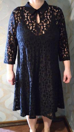 Продам платье черный гипюр