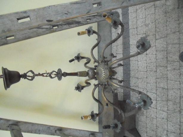 żyrandol z brązu żyrandol mosiężny stary zabytkowy żyrandol brąz