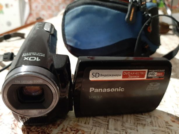 Видеокамера Panasonic SDR-S7