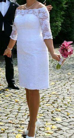 Suknia ślubna.