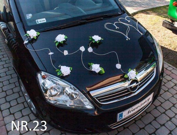 Dekoracja na samochód w kolorze białym. Nr. 23