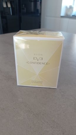 Seria EVE od Avon