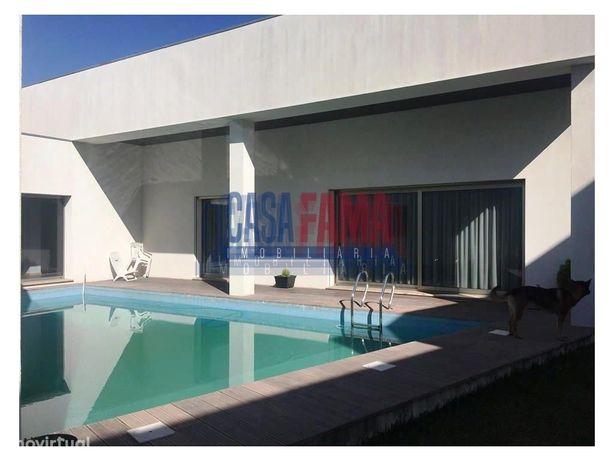 Moradia V4 de luxo com piscina em Beiriz - Póvoa de Varzim