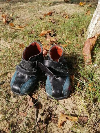 Осенние ботинки 19 размера