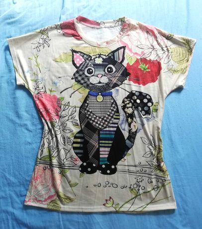 Urocza koszulka T-shirt z oryginalnym nadrukiem - kot. Rozm. M/L