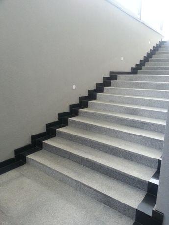 Granit Stopnica Szara Płomieniowana Polerowana 150x33x2 Gotowe Schody