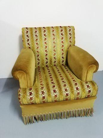 Sofá individual antigo