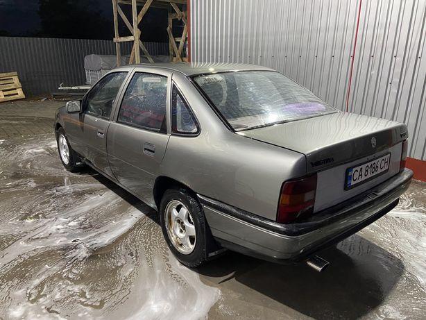 Продам автомобіль Opel Vectra A 1989 2.0i
