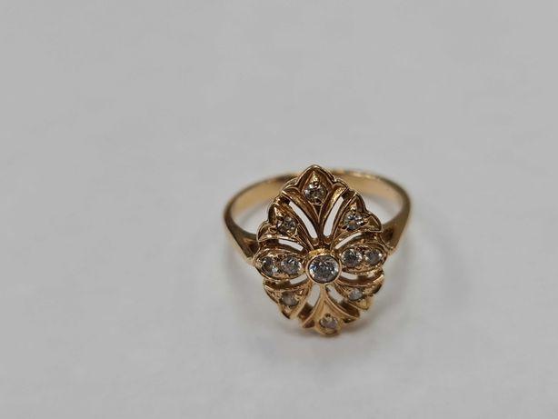 Klasyczny złoty pierścionek damski/ 585/ 3.71 gram/ R16/ Cyrkonie