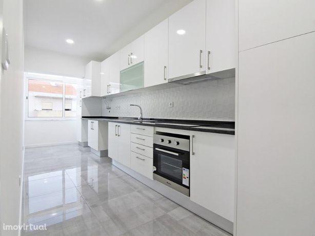 Apartamento T2 Totalmente Remodelado em Zona Central - Cr...