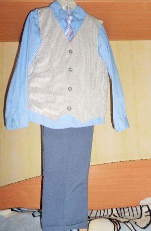 Костюм-тройка Gee Jay на мальчика 7-8 лет. Рост 128 см