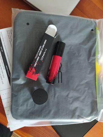 MAC zestaw blyszczyk pomadka szminka latex love kosmetyczka baza