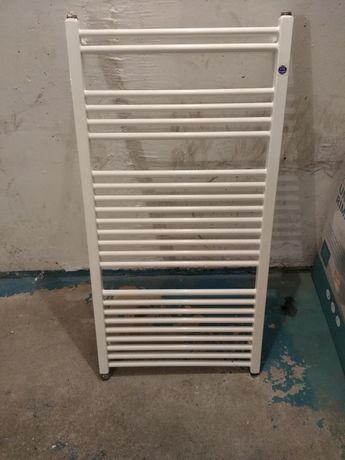 Grzejnik łazienkowy instal