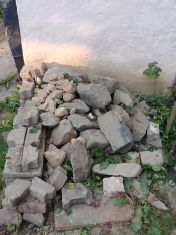 Kamienie -Skalniak,Cegły,Gruz