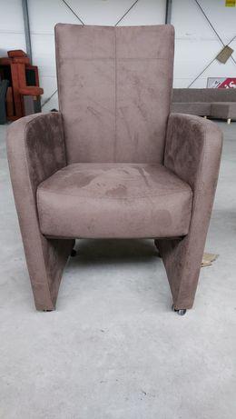 Nowy fotel na kółkach