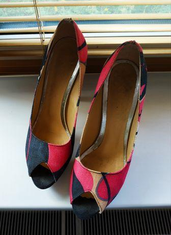 Туфли, босоножки, закрытые босоножки р.38(24,5)