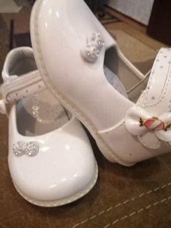 Туфельки на годик для девочки