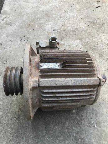 Двигун трьохфазний