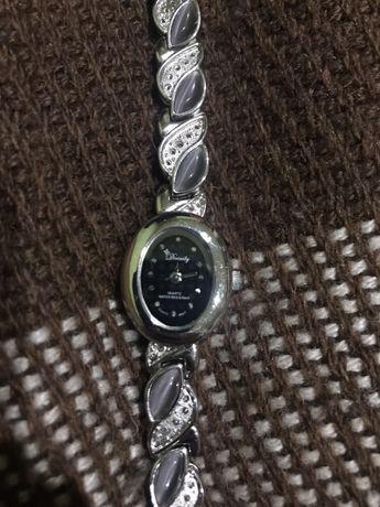 Продам жіночий годинник